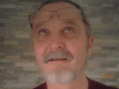 Coach Roland Scherer sucht seine Brille. Warum klärt er im aktuellen Blogbeitrag.
